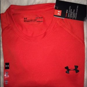 Under Armour men's T-shirt short sleeves NWT sz M